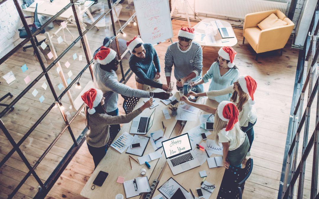 Last Minute – Vorweihnachtszeit im Büro gestalten: So sorgen Sie für eine besinnliche Stimmung